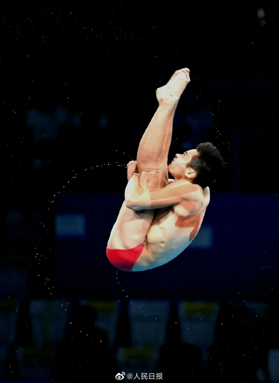 """中国跳水""""水花消失术""""馋哭隔壁教练 怎么炼成的?"""