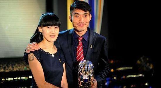 郑智与妻子