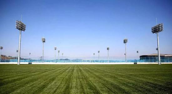 这座青少年足球训练基地