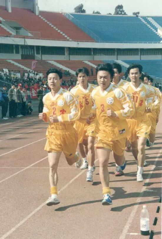 四川全兴当年参加12分钟跑