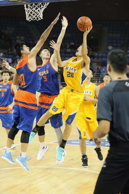 郑祺龙:清华学霸很多但圈子篮球里我是学霸身体丰胸视频图片