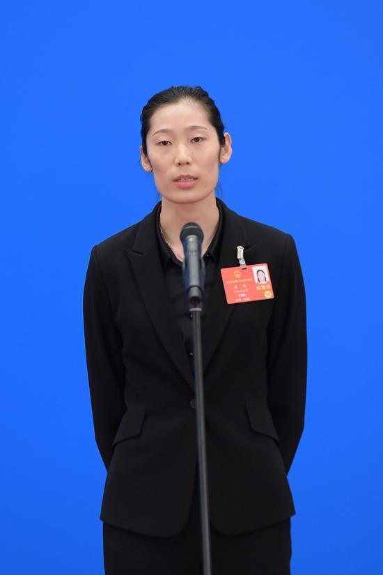 全国人大代表、中国女排国家队队长朱婷。 新华社 图