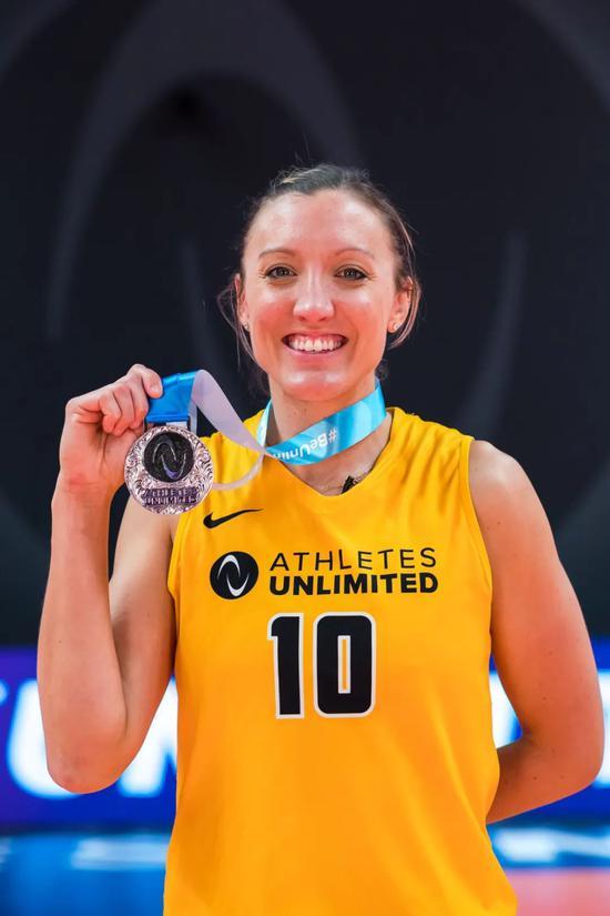 美国无限女排联赛落幕 拉尔森夺得首个联赛冠军