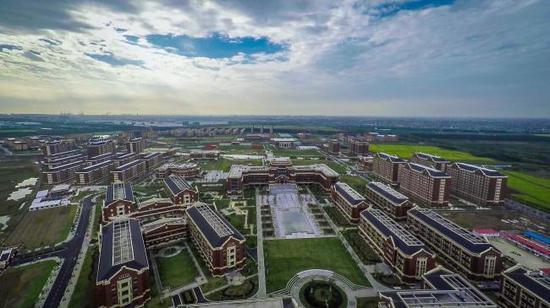 鸟瞰建桥学院。