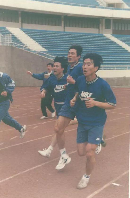 上海申花当年参加12分钟跑