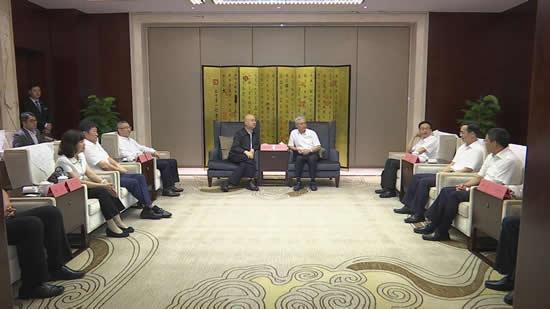 市委常委、宣传部长吴朝安,副市长唐炜参加活动。