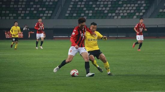 29分钟,苏州东吴,21号谭福成进球,1-0