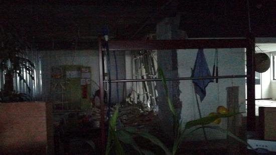 ▲王永华称本身在东玖大厦816办公室被砸毁