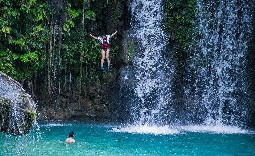 菲律宾最恐怖的极限运动 蹦谷跳水行一般人不敢尝试