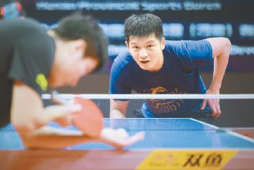中国健儿元旦练兵不负韶华 泳军以赛代练成绩优异