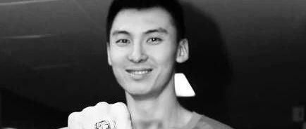 北京男篮前锋吉�匆虿∪ナ� 年仅33岁 留下的是永远的51号球衣!