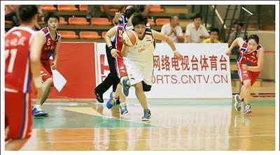 追逐梦想!川师大女篮姑娘们的篮球梦