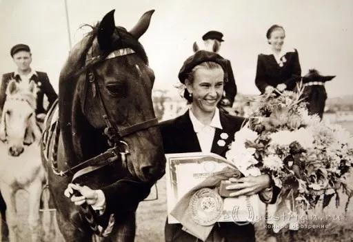 前苏联马术女王、传奇盛装舞步骑
