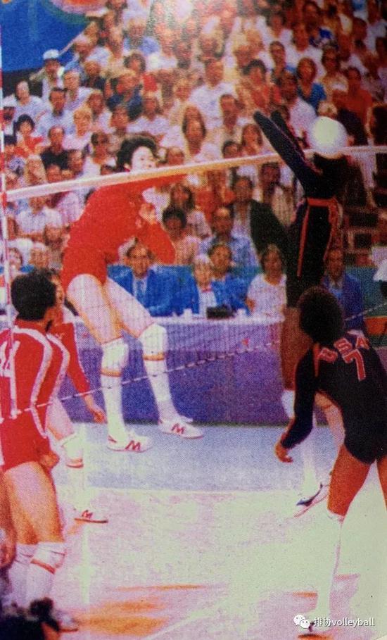 中国排球史连载(11):女排奥运登顶再捧世界杯