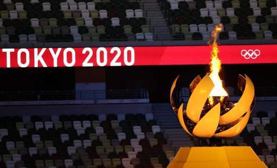 东京奥运会闭幕 但这10个瞬间 依然让人热泪盈眶
