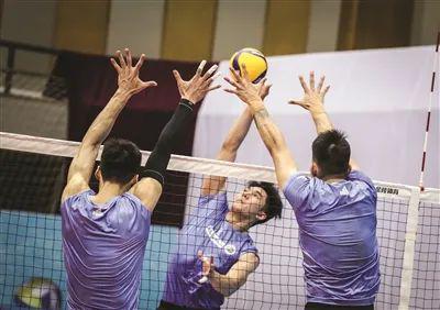 男排联赛锻炼新人筹划未来〈上海〉 沈琼点赞未