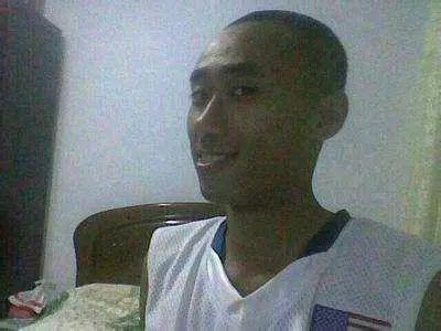 山寨版篮球明星:易建联有3个版本 科比在中国