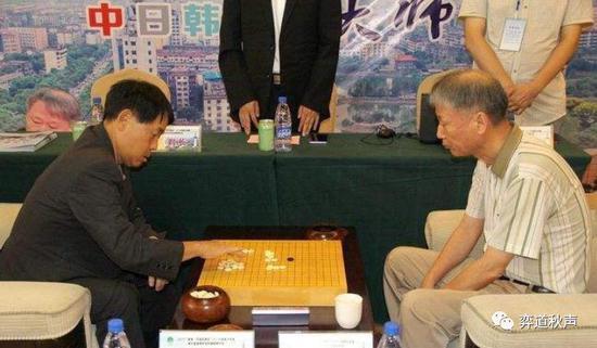 小林光一与徐奉洙在元老赛上交手