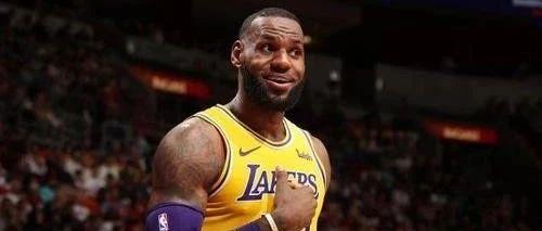 詹姆斯牛逼啊!靠着自嗨就成NBA第一了!