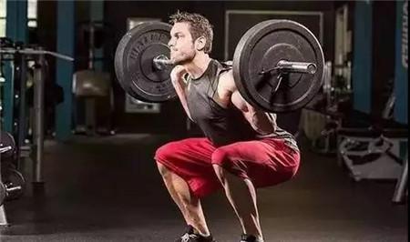 5、增强大肌群训练,特别是腿部肌群