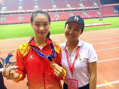 冯璐璐11秒47夺得百米冠军 她是中国00后第一人
