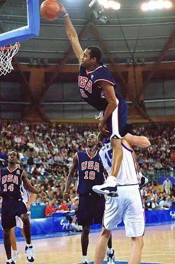 NBA历史六大侮辱性扣篮, 科比詹姆斯均上榜