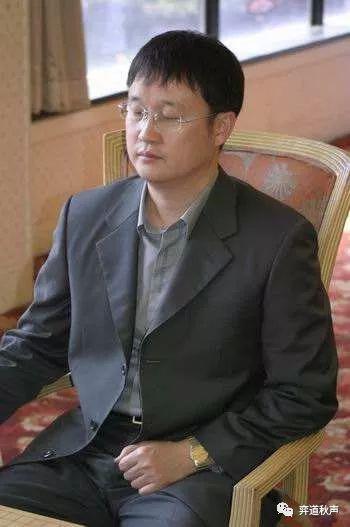 闭目养神的刘昌赫