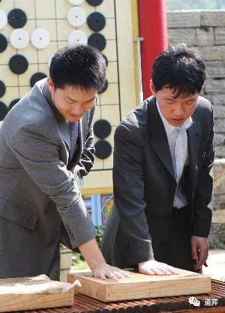 围棋史上的9月11日:常昊李昌镐的握手言和之局