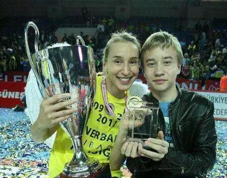 索科洛娃与儿子