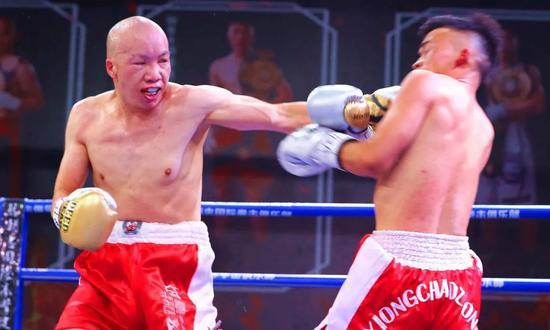 中国首位职业拳王 举办疫情后全国首场卖票的赛事