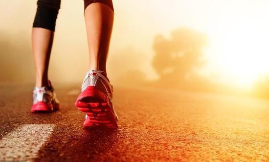 业余男子跑马者如何提高10km能力