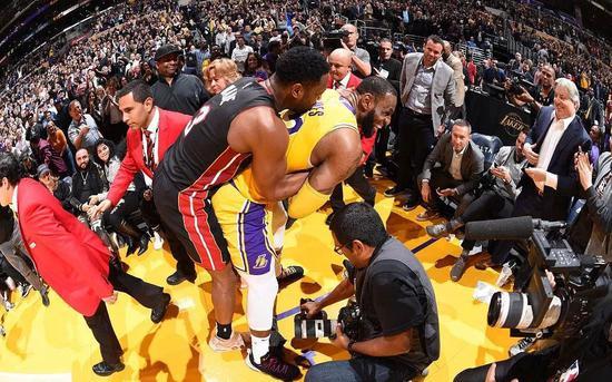 惡搞!你們都是魔鬼嗎?詹韋的最後一次已經被玩壞了!-Haters-黑特籃球NBA新聞影音圖片分享社區