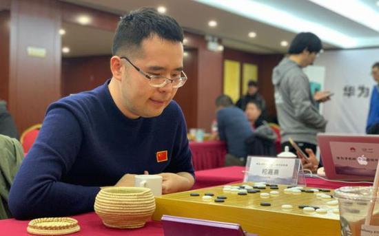 柁嘉熹為北京隊拿下唯一的勝利。 新京報記者 孫海光 攝