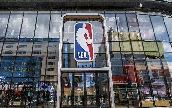 北美以外NBA最大旗舰店落户北京。图片来源:视觉中国