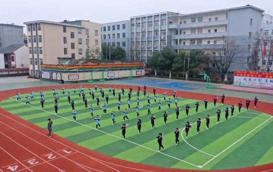 体育怎么考?体育课怎么上? 目的是提升身体素质