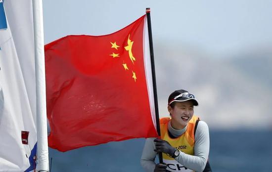 先天缺陷打不垮 她是为中国征服大海的女神