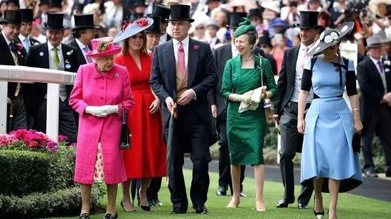 英女王出席皇家阿斯科特赛马会-图片来自CNBC