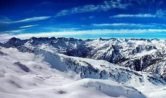 风景秀丽的苍山也隐藏着致命的危险。图片来源:hdwallpapers.in