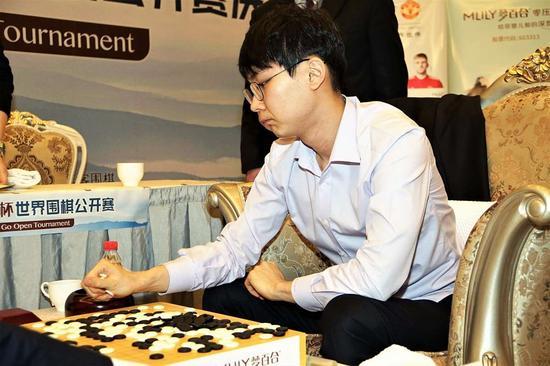 朴廷桓赢棋似乎也不是很开心