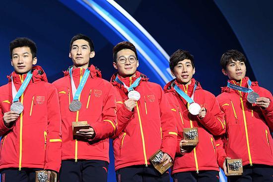 2018平昌冬奥会短道速滑男子5000米接力,中国队获得银牌。