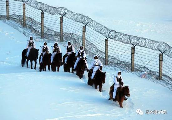 边防战士舍小家为大家 春节策马巡逻祖国边陲