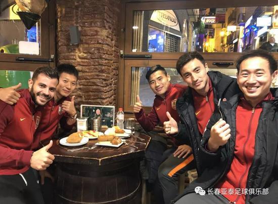 张笑飞:在亚泰踢到退役很幸福 百年俱乐部梦想需坚守