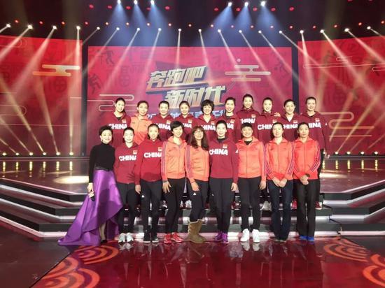 18位女排奥运冠军将登体育春晚 姚明宁泽涛在列