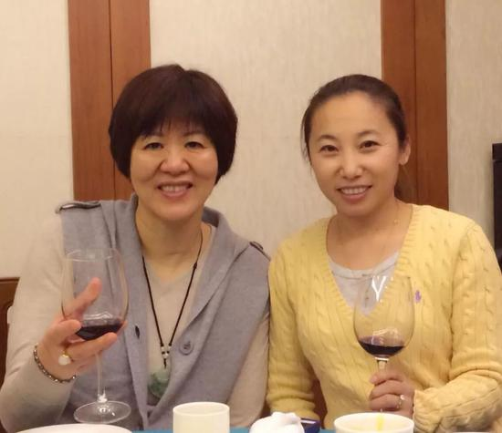 郎平祝贺李琰:值得女排学习 约好回北京庆功