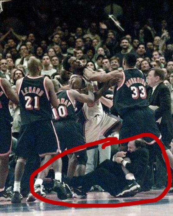 NBA球场暴力升级? 这群千万富翁早不会打架了