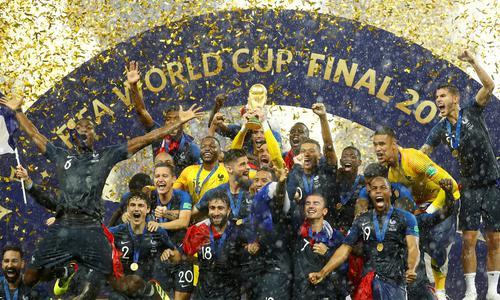 祝贺法国夺冠 向克罗地亚致敬