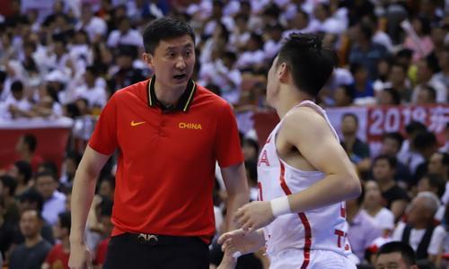 亚运会中国男篮首战克拉克森