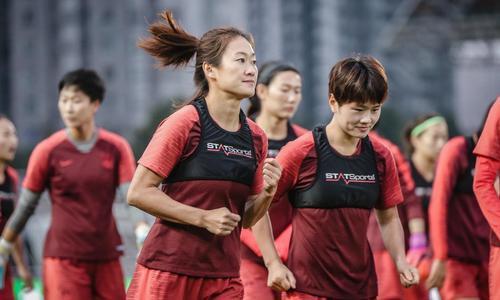 让女子足球像病毒般向传播