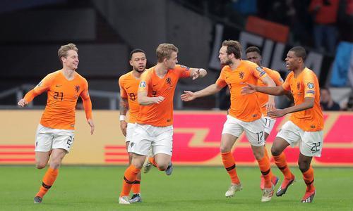 憾负德国 荷兰足球会回到实力强国之列