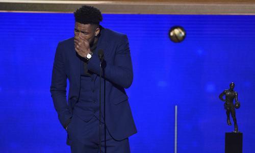 吐槽一下 鸡肋的NBA常规赛颁奖典礼